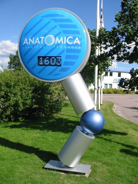 Anatomica pylonskyltar i Stockholm av Focus Neon