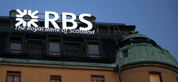 RBS Led skyltar i bankens byggnad med Focus Neon