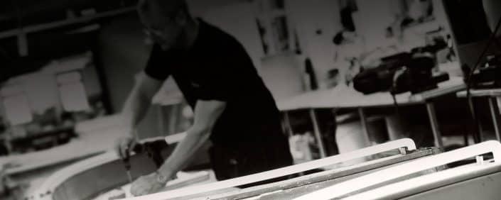 Skyltföretag anställd som arbetar med Led tecken i stockholm | Focus Neon